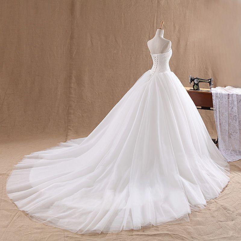 Lamya Court Tren Vestido de novia 2021 Celebridad barata Sin tirantes Vintage Tul Tul Ball Ball Ball Bolganza Encaje de cordones Vestidos nupciales