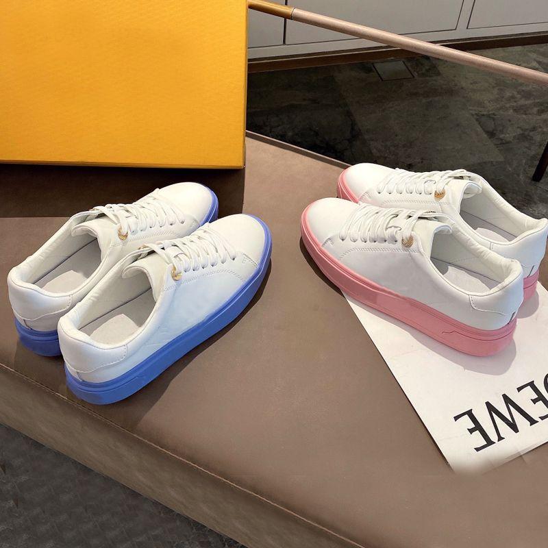 منصة الرجال رياضة عارضة أحذية النساء السفر الجلود الدانتيل متابعة حذاء 100٪ جلد البقر الأزياء رسائل سميكة أسفل امرأة الأحذية شقة سيدة أحذية كبيرة الحجم 36-42-45 US4-US1