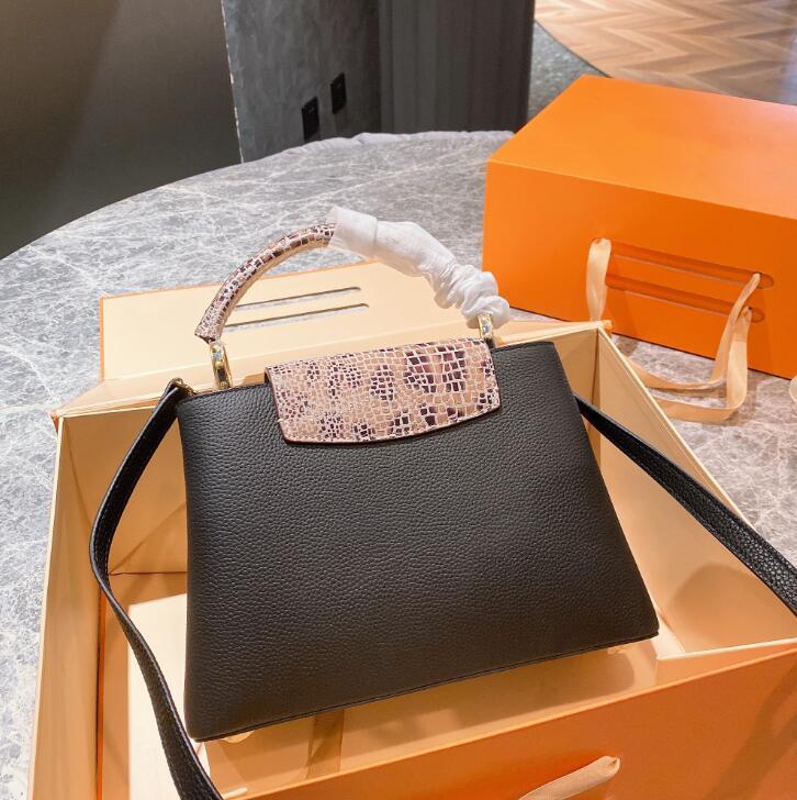 2021 Tasarımcılar Luxurys Çanta Çantalar Kadınlar Tote En Kaliteli Bayanlar Crossbody Omuz Çantaları Capucin Kıdemli Cüzdan