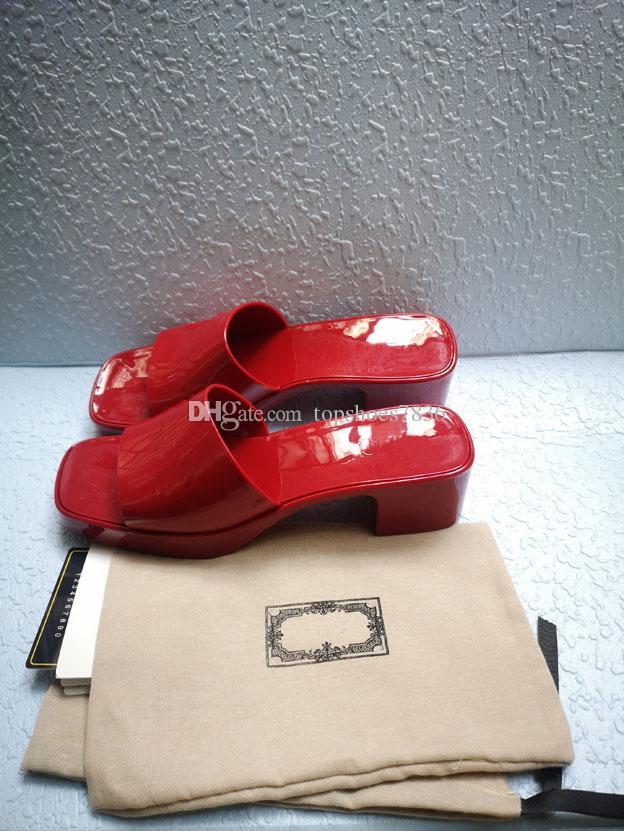 Chaussures de design de haute qualité! 2021 Summer Fashion Fruit Slide High Heel Chaussons Chaussures de Prestige Salle de bain Plage Chaussures Sandales Femmes Box 35-41