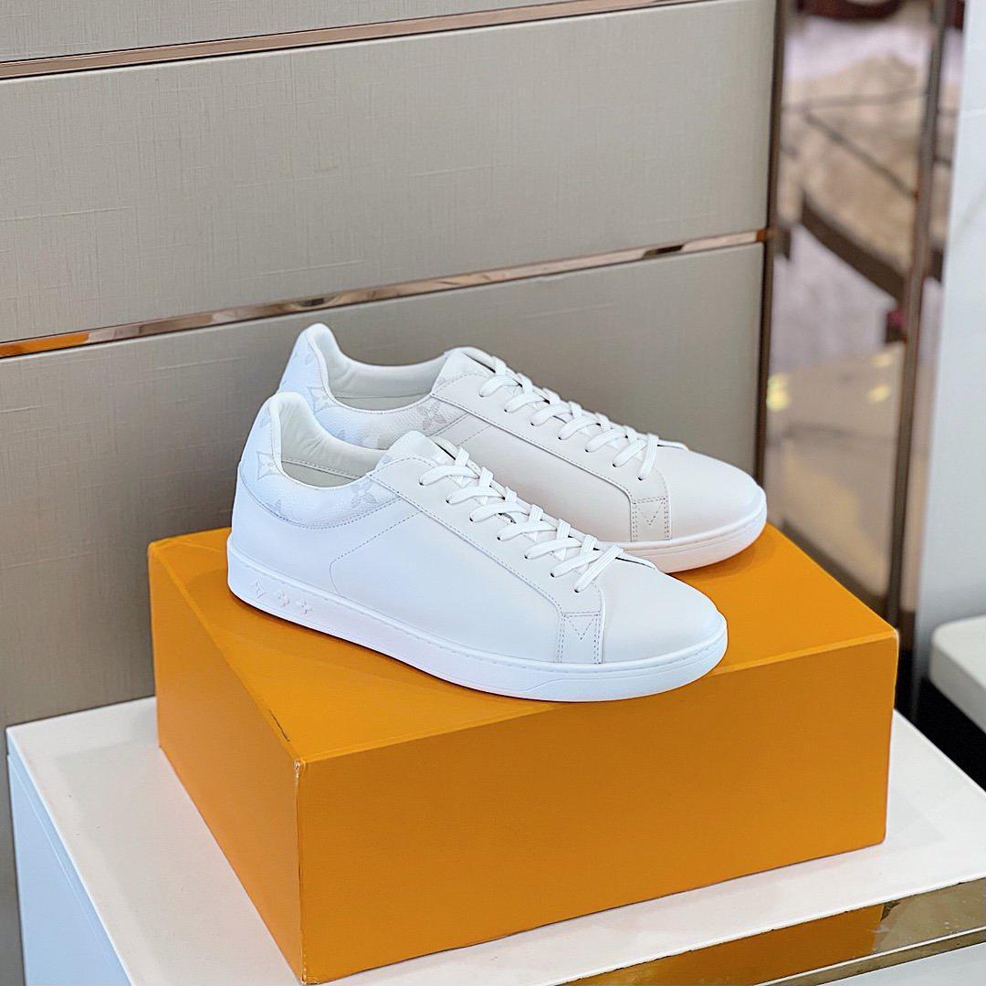En Kaliteli Lüks Tasarımcı Ayakkabı Rahat Sneakers Nefes Dalfsı Çiçek Süslenmiş Kauçuk Taban Beyaz Ipek Spor US38-45 ve Kutu