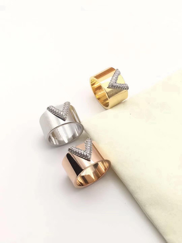 أوروبا أمريكا أزياء نمط الرجال سيدة سيدة النساء الإعدادات الصلب التيتانيوم كامل الماس الخامس الأحرف الأولى حلقات واسعة حجم US5-US9