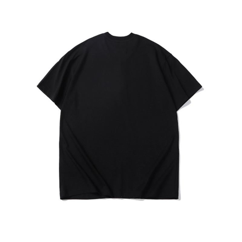 T-shirt in bianco e nero per i clienti offline