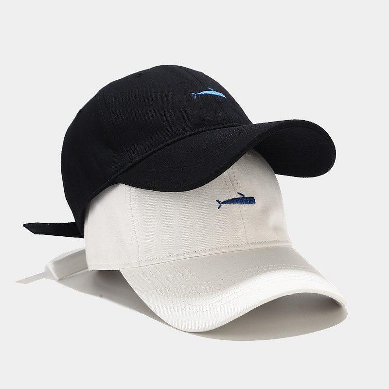 Ins جديد سمكة صغيرة مطرزة قبعة العصرية الرجال الكورية نمط جميع مطابقة قبعة بيسبول الإناث الشارع اليابانية الصيف بلغت ذروتها