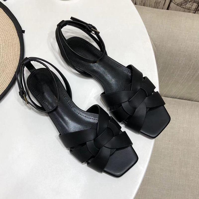 الصنادل للنساء جودة عالية الجلود الصيف الشريحة حذاء المرأة شقة النعال في الهواء الطلق كسول الأزياء شبشب الكاحل حزام الأحذية شاطئ صندل