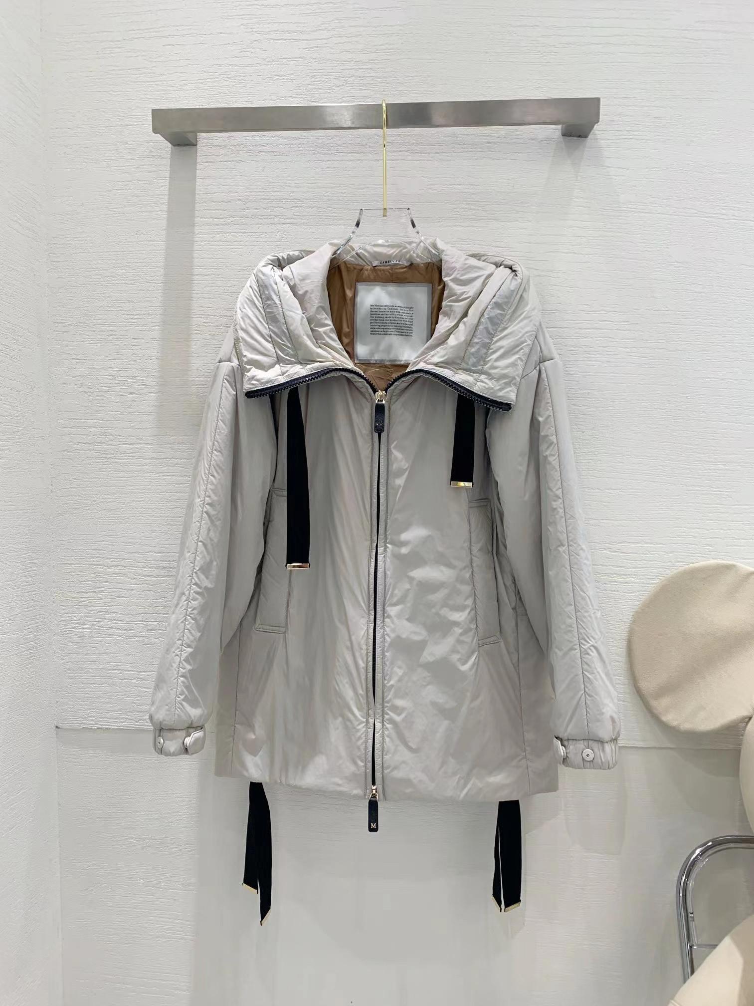 Cappotti per pista di Milano 2021 Autunno Winter Hooded Manica Lunga Giacche da donna Designer Brand Same Style Capispalla 1020-19