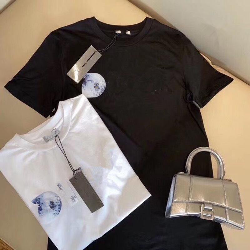 21ss مصممين القمصان للرجال الصيف رجل تي شيرت أزياء المد قمصان إلكتروني طباعة عارضة قصيرة الأكمام أوم الملابس طاقم الرقبة