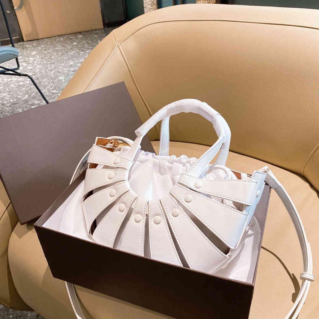 Luxus Modedesigner Handtasche Marke Echtes Leder Frauen Schulter Crossbody Tasche Damen Kleine Fan-förmige Quaste Geldbörse Neue 2021