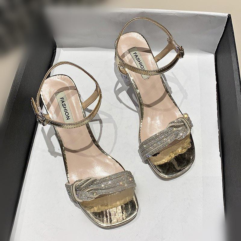여성 샌들 검은 신발 여성을위한 버클 스트랩 하이힐 메드 2021 여름 여자 베이지 색 하이힐 블록 중간 패션 COM 드레스