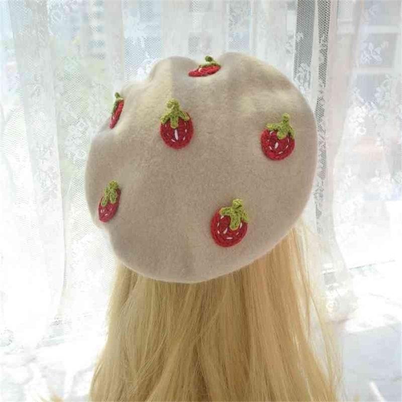 Orijinal Japon Kadın Küçük Ve Saf Taze Çilek Bere Qiu Dong Express Han Baskı Joker Fırında Buğday Kek Şapka 210429