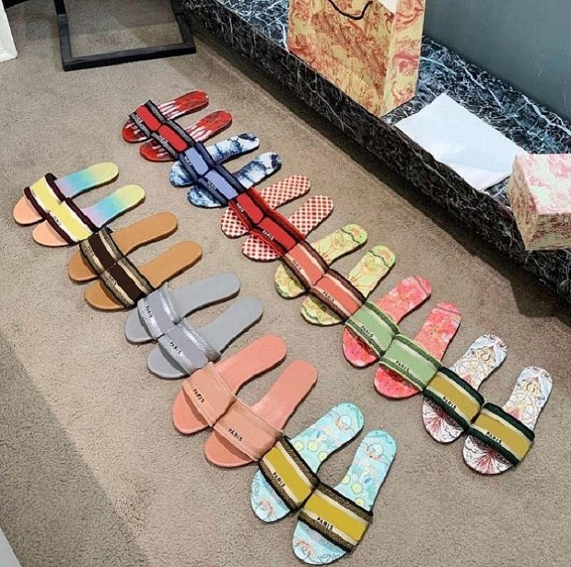2021 Pantofole da donna, sandali estivi, pantofola da spiaggia, flip-flops da donna, sexy fiori da ricamo multicolor, ricamo per il tempo libero e datazione