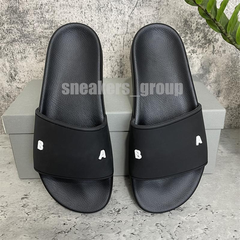 2021 zapatillas de fuentes de la zapatilla de la zapatilla de la zapatilla de la zapatilla de la moda de los hombres de alta calidad Sandalias planas Flip flop con el tamaño de la caja 36-46