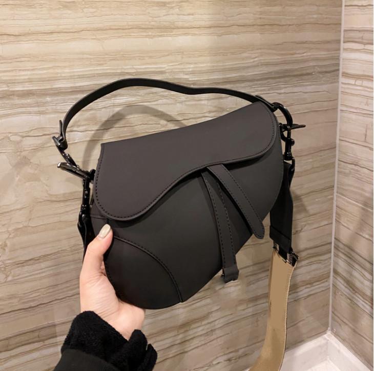 العلامة التجارية حقيبة السرج الفاخرة، مادة جلدية، العديد من الألوان والأحجام سعة كبيرة رسول حقيبة حمل الأزياءديو dskf.