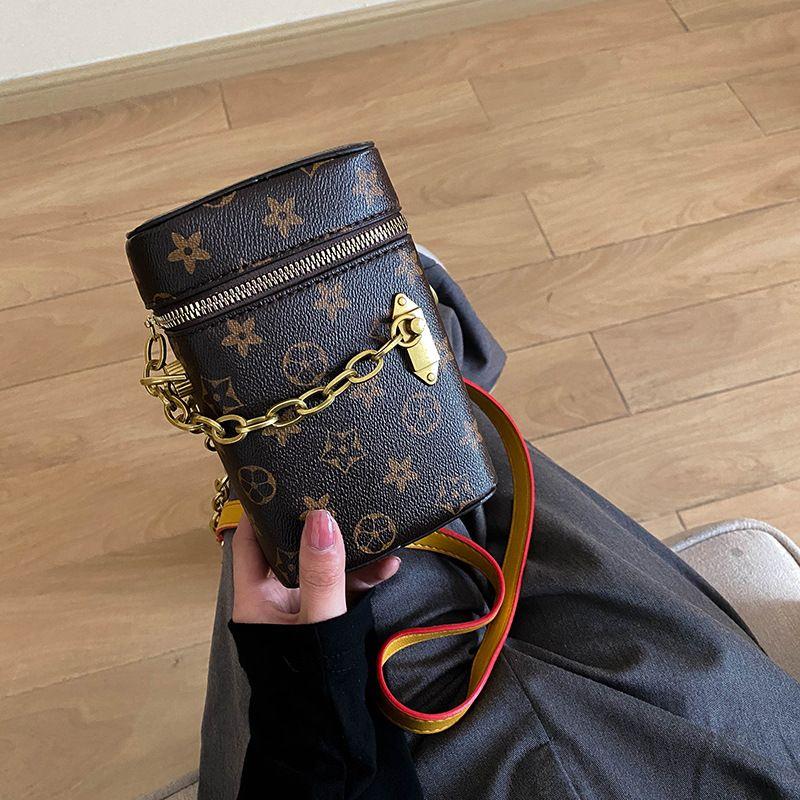 2021 수직 휴대 전화 가방 한 어깨 대각선 여성 작은 사각형 가방 미니 체인 담배 케이스 지갑 패션 디자인 핸드백