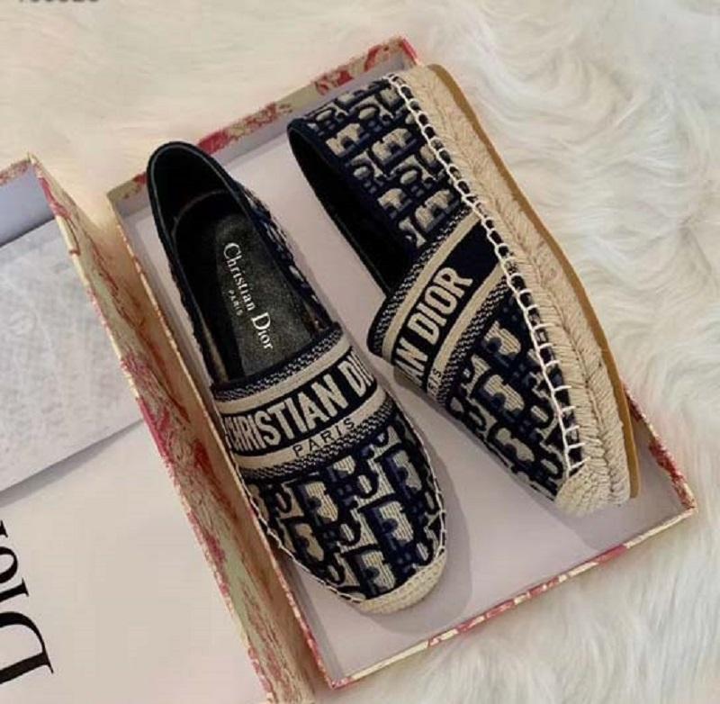 Clássicos mocassins espadrilles luxurys designers sapatos tênis lona e verdadeiro lambskin dois tampão de tone toe moda mulheres sapato home011 19