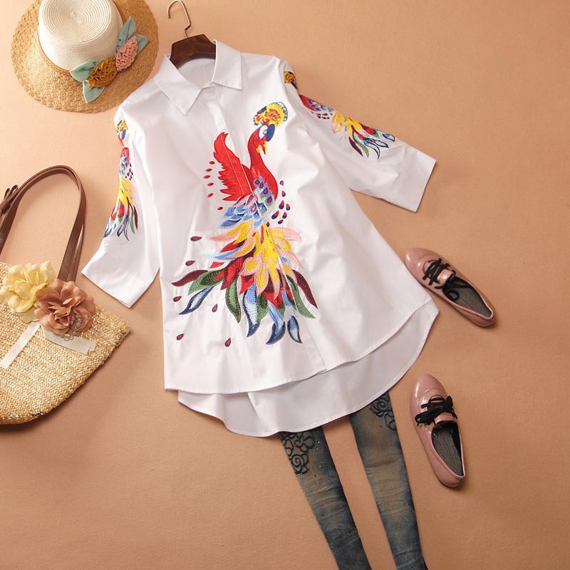 Pluz Taille Shirt Femme Europe Été Nouveau Mode Femmes Blouses et Tops Broderie Trois quart Sleeve Women Vêtements 210421