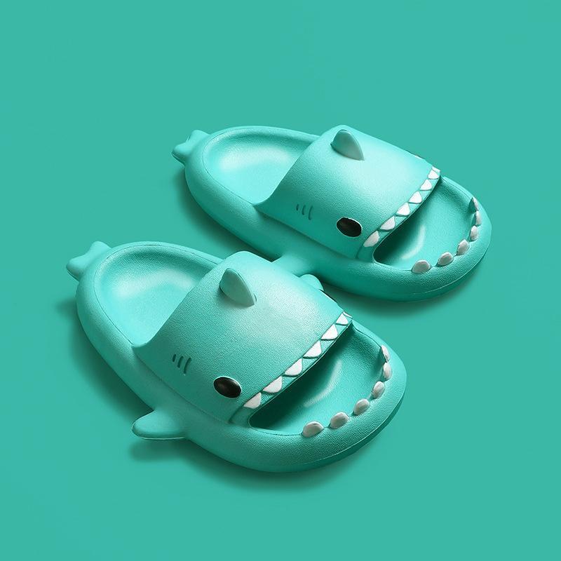 Porcellana Brand Blue Blue Stereo Shark Eva Cold Tract Bambini Pantofole per bambini Summer Home Bambino Parent-Child Slip Soft Baby