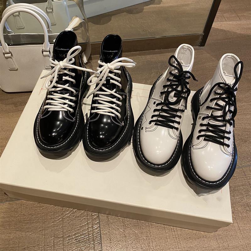 2021 Top Qualität Frauen Designer Luxusstiefel Martin Patent Desert Stiefel Mode Leder Raue rutschfeste Winterschuh