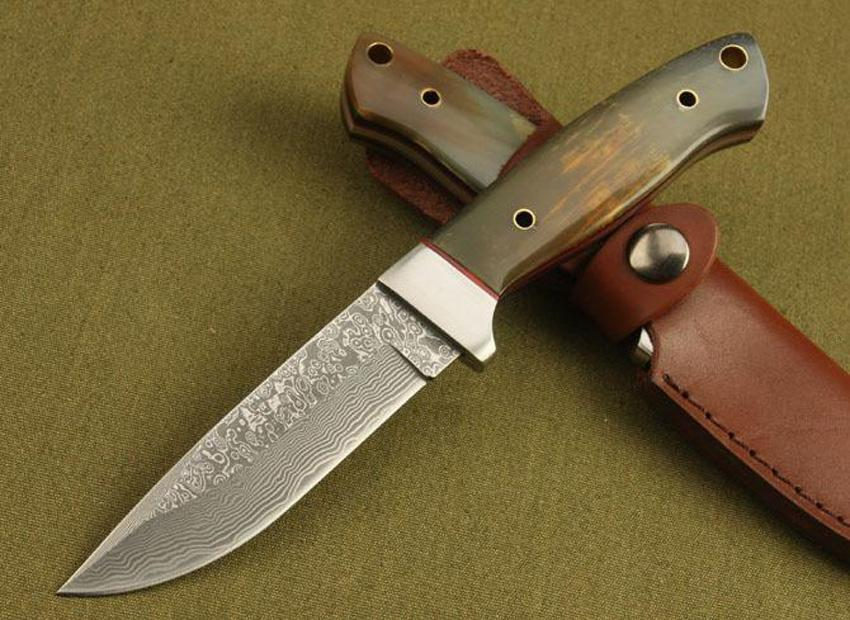 Excellent quality Damascus hunting knife Cow horn Handle 58HRC Blade Outdoor camping hiking survival straight knifes knives Collectable