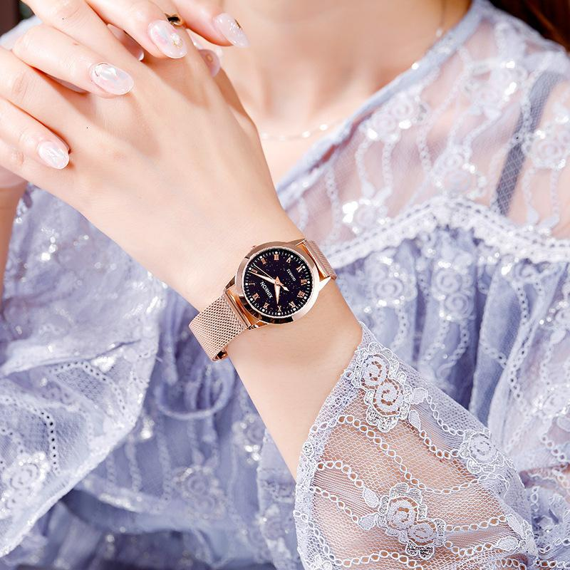 TIKTOK: Montre-bracelet pour femme, Montre féminine, Montre-bracelet Student de Rome Cadeau Shake Voice Même