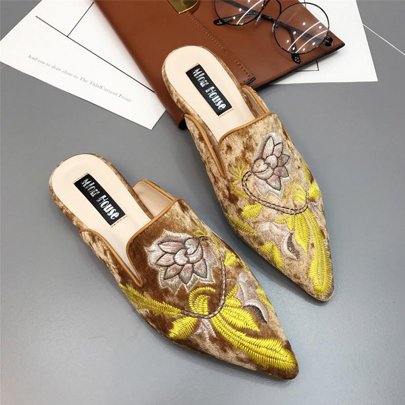 النعال النساء التطريز زهرة 2021 أشار تو قطيع شقة التطريز الأزهار المتسكعون الشقق المخملية البغال أحذية امرأة الشرائح