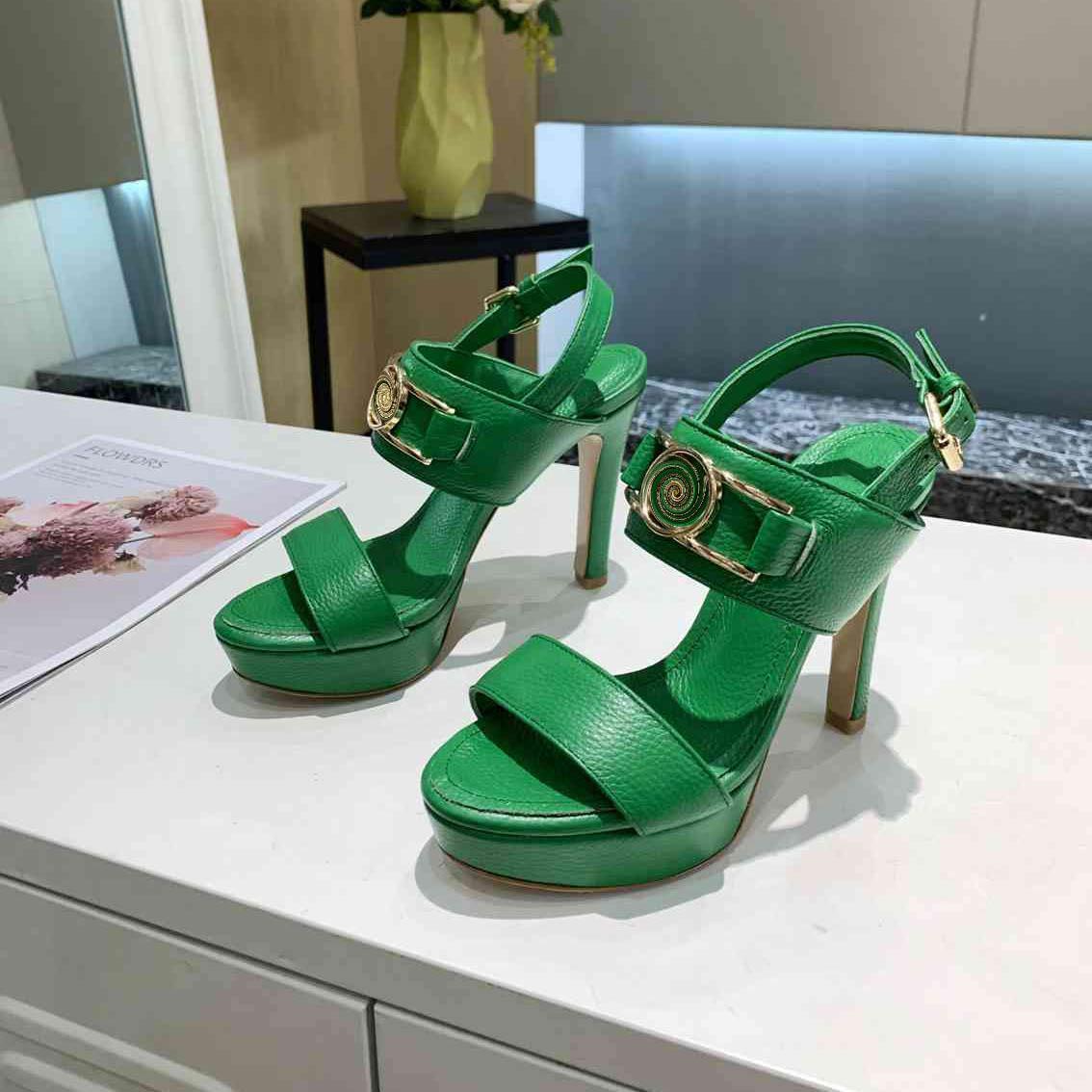 Дизайнерские женщины Высокие каблуки Сандалии модные пальцы ноги для ног на лошадях скользит вечеринка свадебные насосы с коробкой