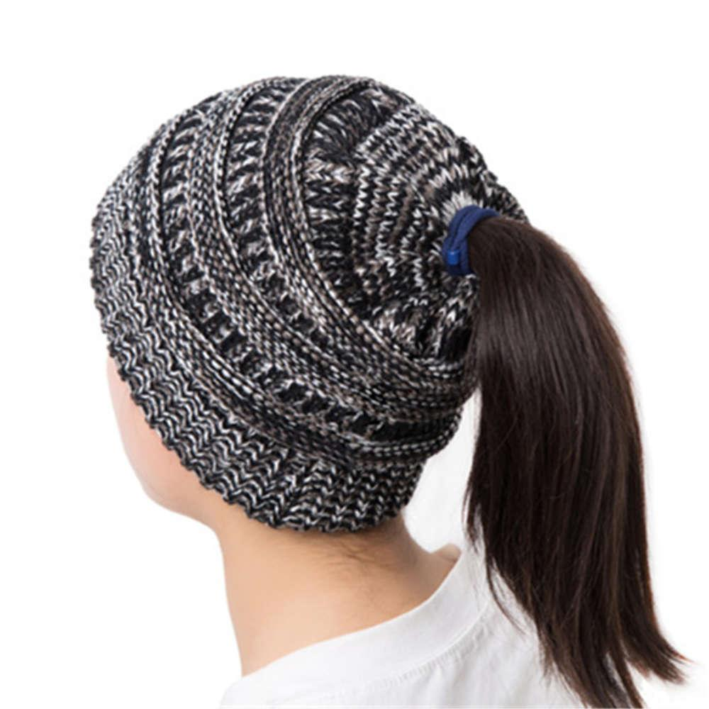 Nueva lana plisada de las mujeres con el agujero y el sombrero de punto de la trenza