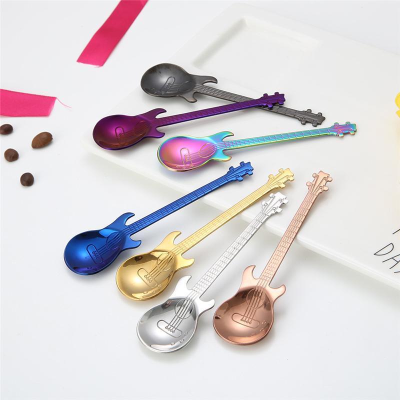 Cucharas 1 unids Acero inoxidable Cuchara de café guitarra de dibujos animados guitarra creativa leche helado de caramelo cucharadita de accesorios de cocina Barra de cocina