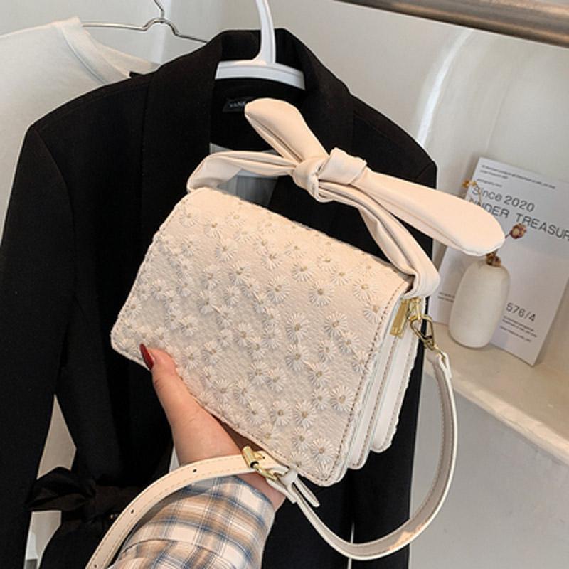 여름 간단한 가방 2021 트렌디 한 패션 메신저 여성 모든 일치 휴대용 작은 사각형 어깨 가방