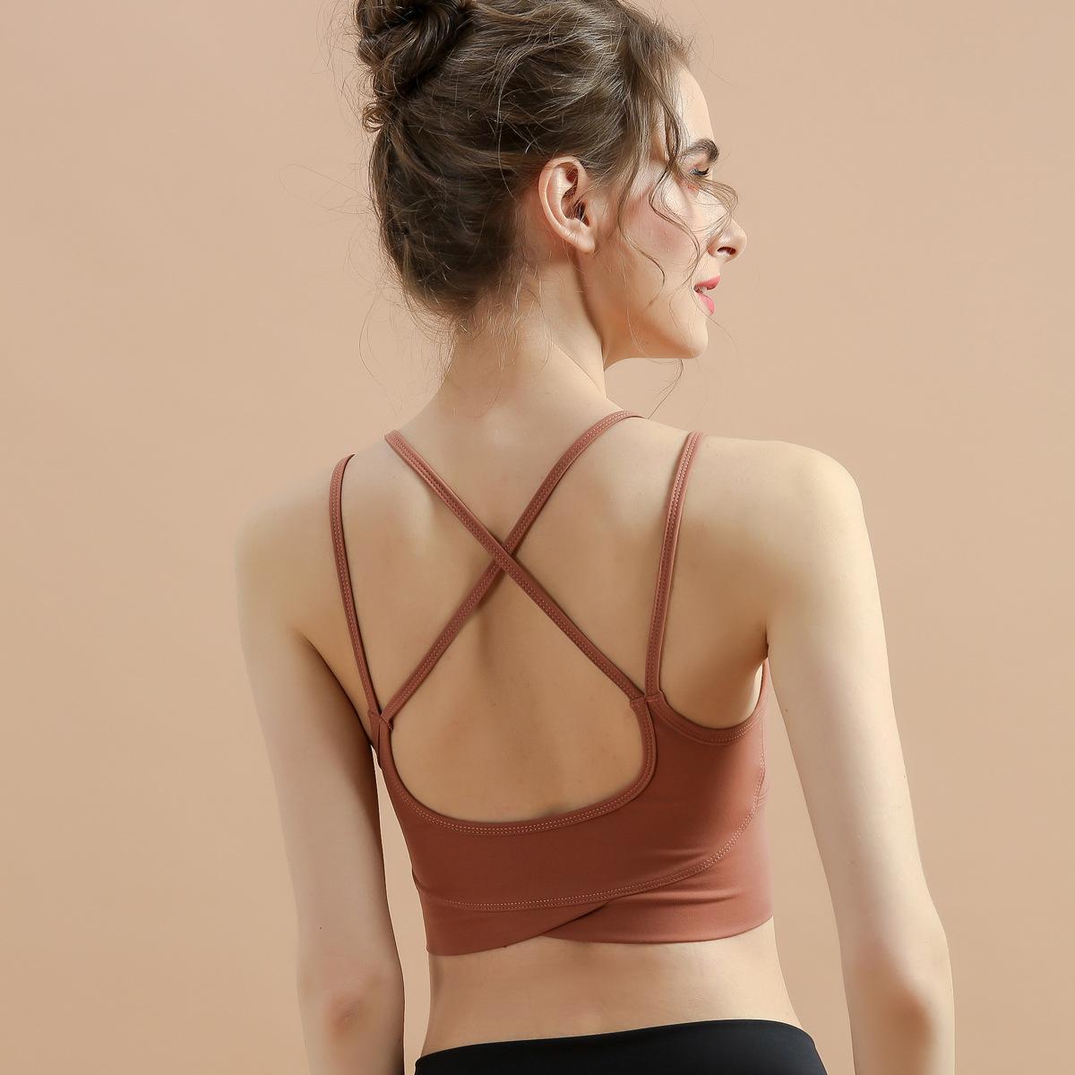 2021 여름 새로운 스포츠 브래지어 여성용 아름다움 다시 운동 요가 브래지어 크로스 레이스 업 운동 속옷