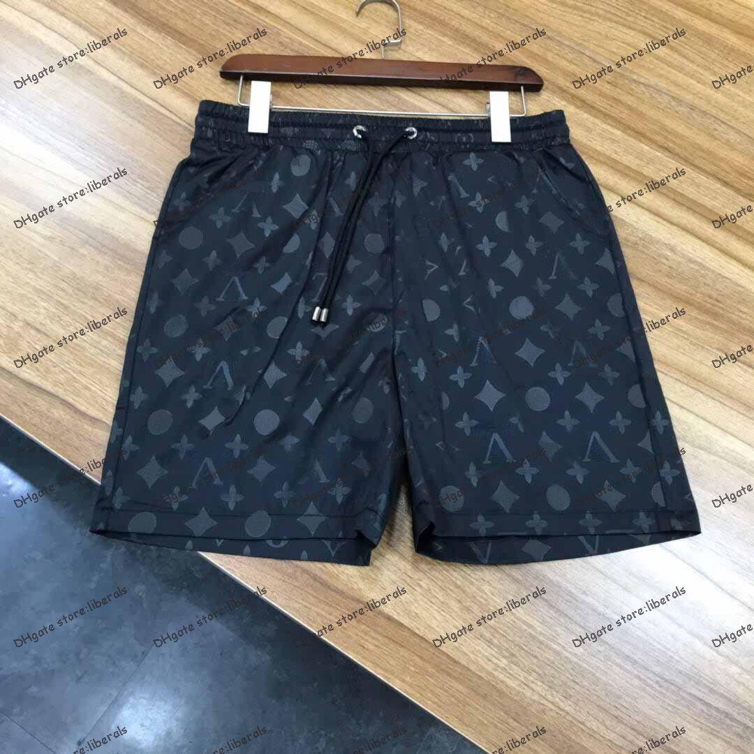 Mens Shorts Verão Designers Esportes Casuais 2021 Moda Rápida Secagem Homens Calças de Praia Preto e Branco Tamanho Asiático M-XXXL