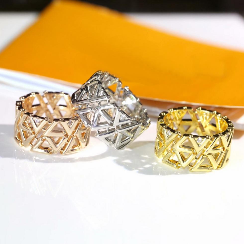 Europa américa estilo anel senhora mulheres titânio aço oco out completo v iniciais diamante largo volt malha anéis Q9O69a