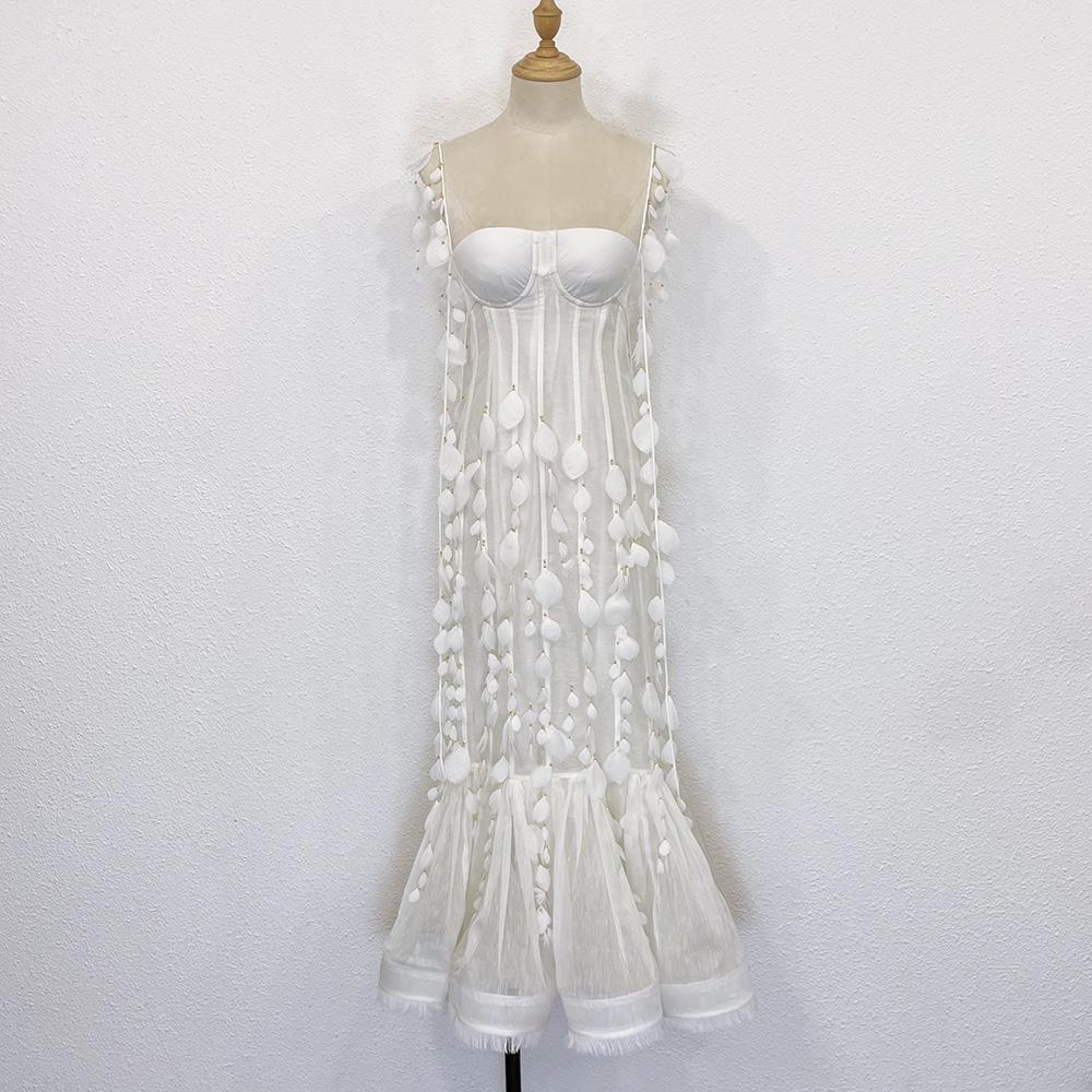Vestido de suspensión de pescado de pétalo blanco