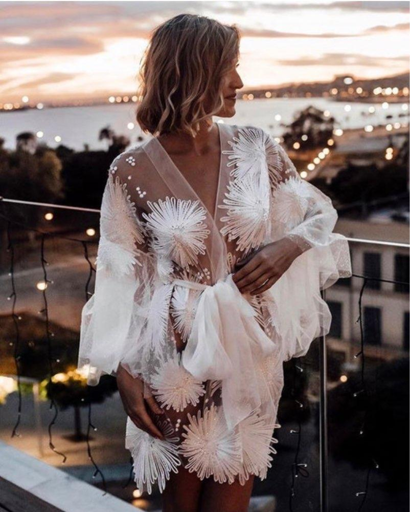 3D Flower Appliqued Bathrobe With Belt Bridesmaid Dress Beads Bath Gown Tulle Illusion Knee Length Bridal Robe Wedding Nightgown