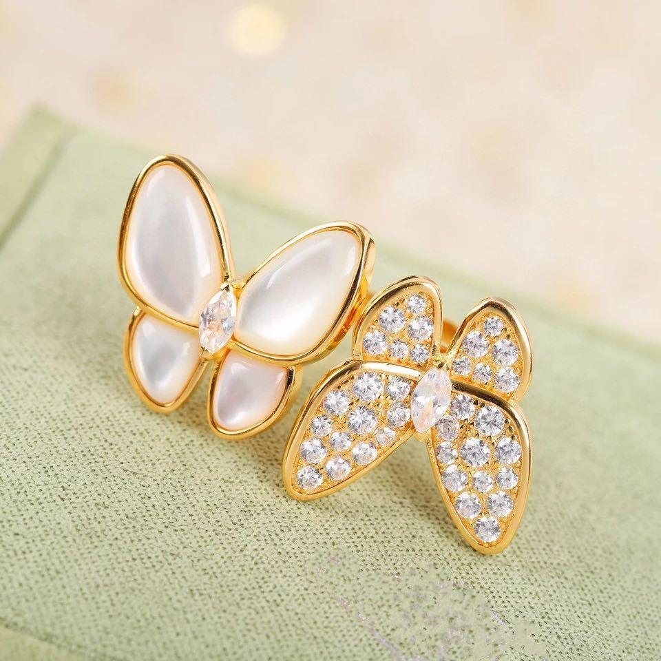 Bracelet en perles de mode Boucles d'oreilles Collier 4 / Quatre feuilles Clover Link Link Clavicule Chaîne Coquille 18K Or pour Van Womengirls Bijoux de mariage Cadeau