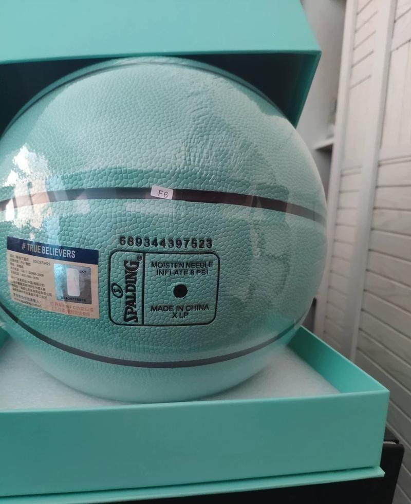 Spalding X T, если f y y c o. Merch Basketball Commarative Edition PU Game Girl Размер 7 с коробкой