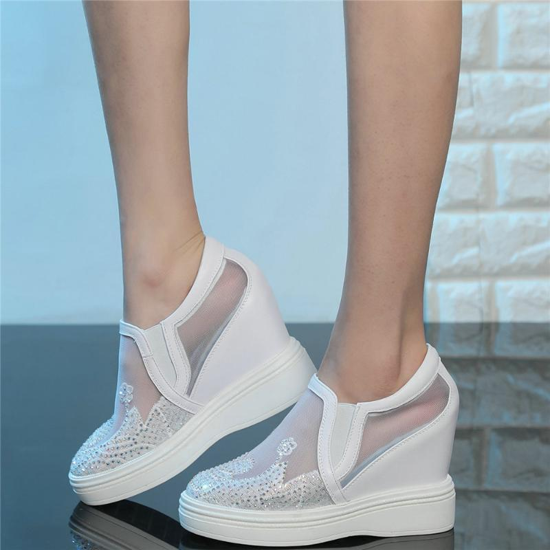 اللباس أحذية الراين النساء جلد طبيعي أسافين عالية الكعب المصارع الصنادل الإناث تنفس الدانتيل الأزياء أحذية رياضية عارضة