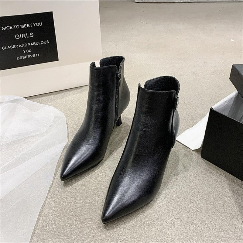 2021 заостренные высокие каблуки короткие сапоги женские головные слой слой коровьей на молнии все-матч ступило моды сапоги