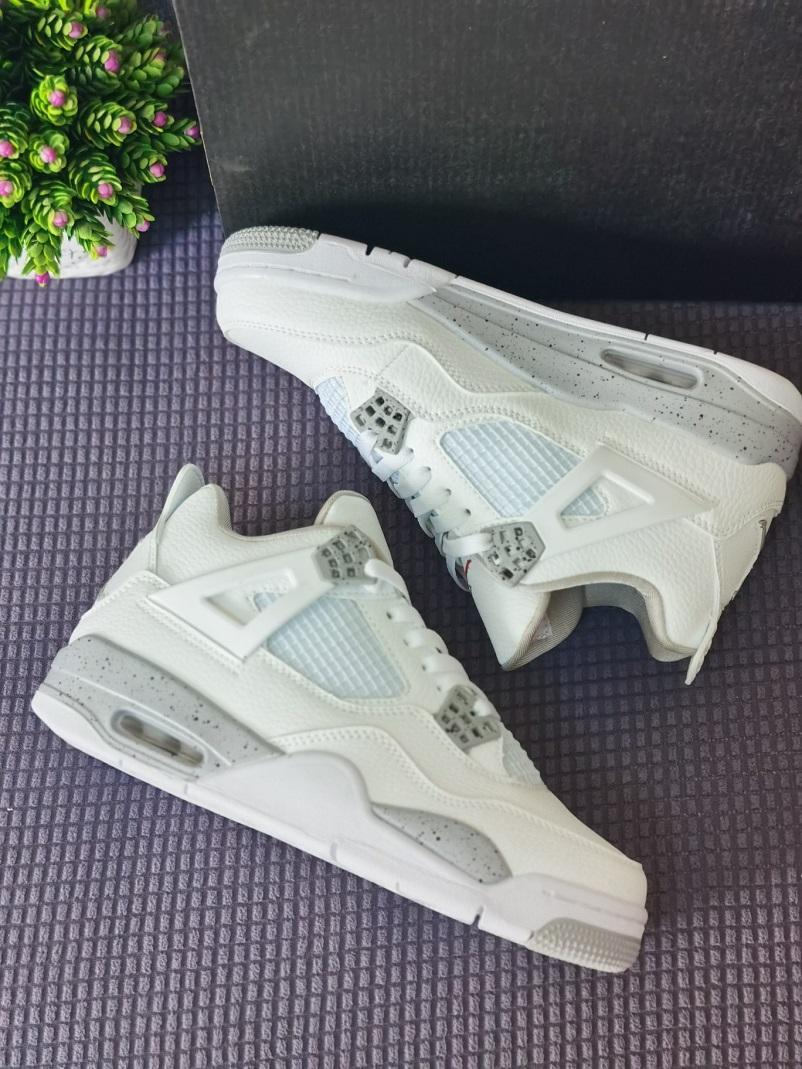 Moda Box Sock ile beyaz Oreo jumpman 4 erkek basketbol ayakkabıları yüksek kalite Tech Grey Black Fire Red air jordan 4s erkek kadın eğitmenler spor ayakkabı