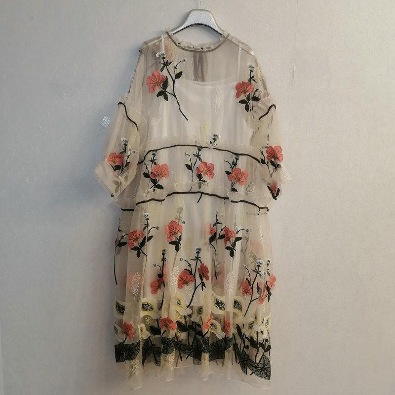 Estación Europea 2021 Primavera y verano Nueva seda de seda bordado de seda flor de cinturón de estilo flojos sueltos elegante vestido de moda