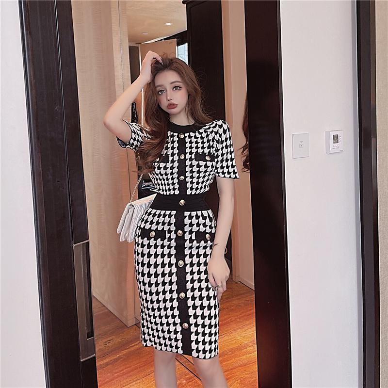 2021 Summer fashion design women's o-neck short sleeve houndtooth grid knitted high waist pencil dress knee length S M L