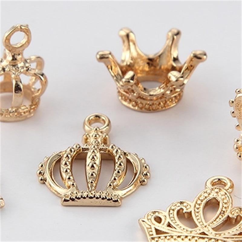 20 قطعة / الوحدة kc ذهبي اللون سبائك معدنية 3d الأميرة تاج سحر المعلقات الخرز صالح سوار diy اليدوية صنع المجوهرات النتائج 1684 Q2
