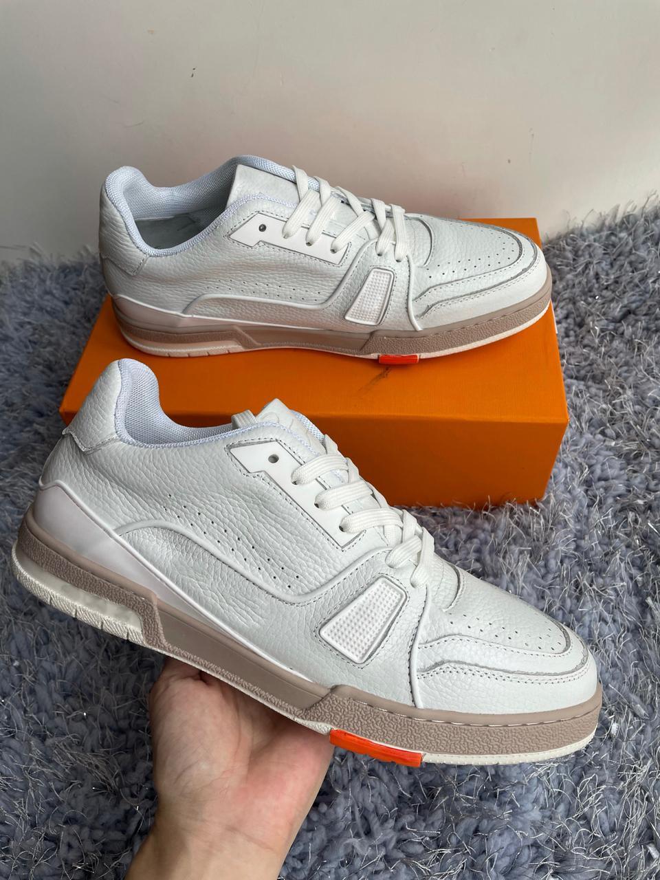 Grey Platform Designer Scarpe più recenti Uomo Scarpe Sneakers di lusso Fiori Chaussures Casual Sneaker piatta Casual all'ingrosso Nuova versione Regalo di Natale