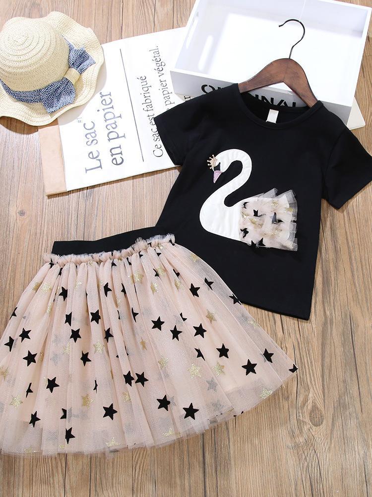Varejo / Atacado Menina Swan Tee Plissado Saias Conjuntos de Roupas 2pcs Conjunto Tracksuit Top curto + Lantejoulas Star Skirt Roupas de meninas roupas de designers