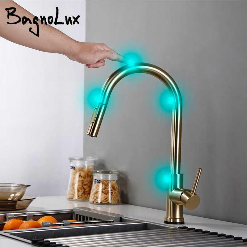 Toque de bronze único bronze escovado ouro pia faucet pull out rotação spray misturador torneira torneira e wate frio 210724