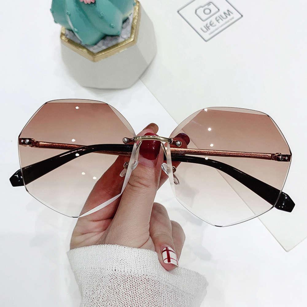 Óculos de Sol Vintage Mulheres Aleatórias Modo de Design Dame Óculos de Sol Liga Classic Designer Shades UV400 Eyewear