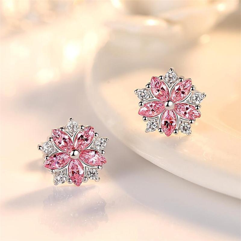 Pendientes de pétalos de estudio de flor simple Pequeña joyería de plata fresca El regalo para niña