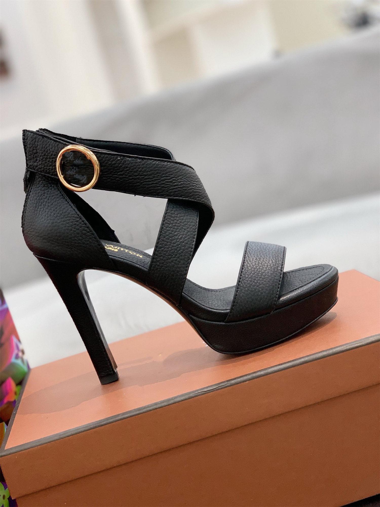 2021 Europäische und amerikanische Sandalen Frühling Sommer Open-Toe Stiletto High-Heeled Shoes One Word Schnalle Plattform Solide Farbe Frauen Größe