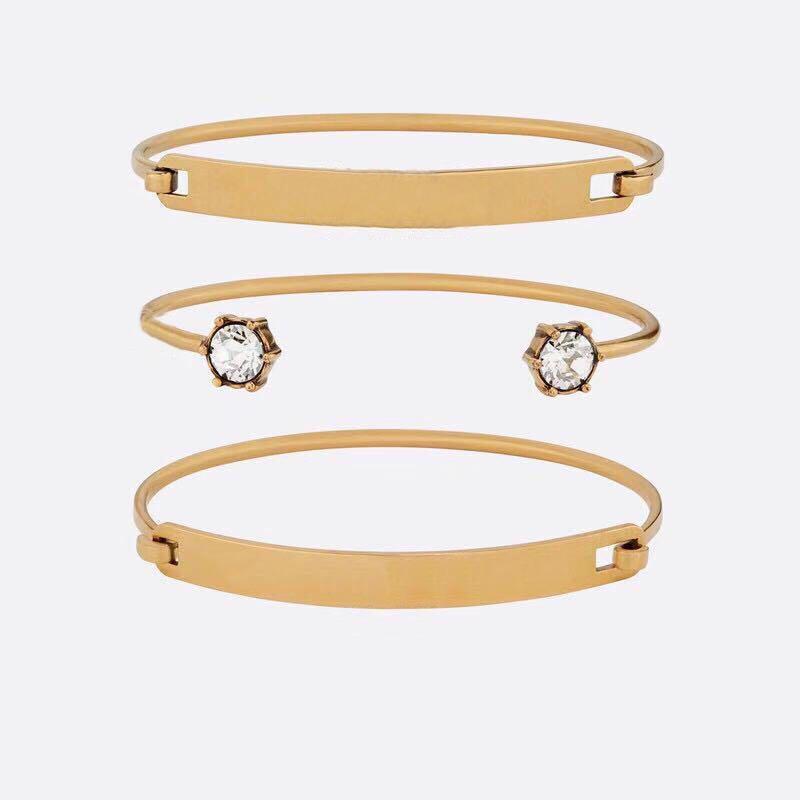 Marque de mode Diffusez des timbres CZ Bangle Femmes Amoureux de mariage cadeau Engagement de luxe Bijoux avec boîte