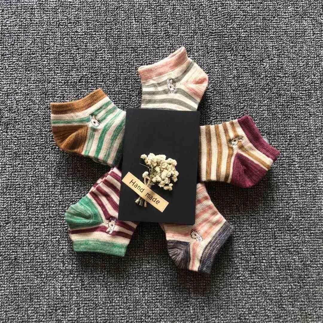 Chaussettes broderie féminine invisible sos printemps et estival de bonbons de bonbons en coton couleurs décontractés